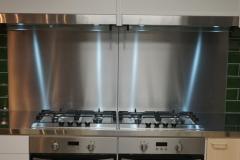 Kookinrichting met 2 ovens en 8 gaskookpitten